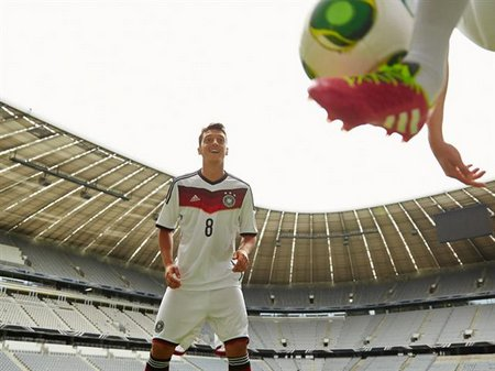 Deutschland Trikot während der WM im Büro?