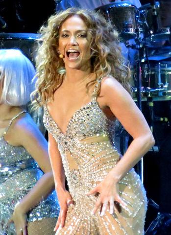 349px-Jennifer Lopez 2, 2012