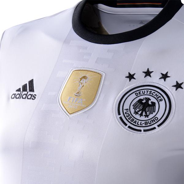 Das neue DFB Heimtrikot heute Abend gegen Frankreich