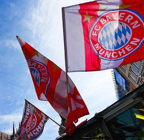 Bayern München Fahne  © Flickr _ jiazi